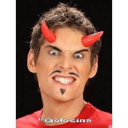 Maquillaje: Cuernos latex rojos