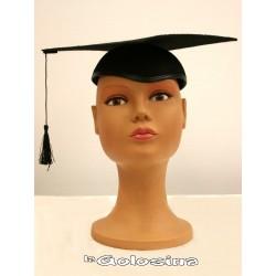 Sombrero en fieltro negro de graduado